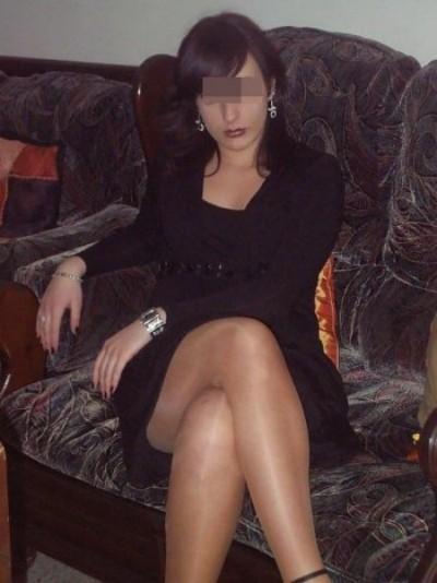 Grosse putasse en manque de sexe voulant baiser à Grenoble